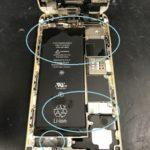画面が割れたiPhoneをプールに落とした!!