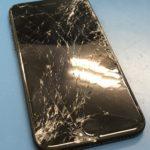 運悪く挟まれてしまったiPhoneの奇跡的復活!