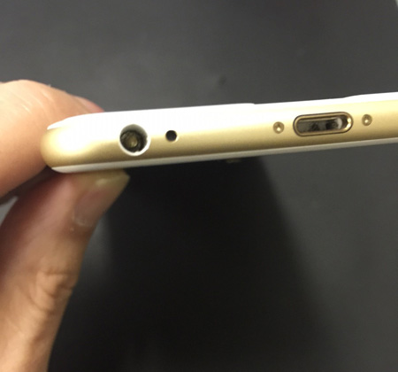 iPhone6 Plusのイヤホンジャックに異変が! | iPhone修理アイサポ 修理事例