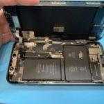 朝起きたら突然フリーズしてしまった iPhone X。