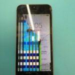 パネルのフレームごと剥離!液晶不良でカラフルなiPhone 5S。