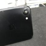 iPhone7カメラ窓ガラス修理 まさかそこが割れるとは…
