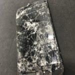 iPhone7 勢いよく画面割れ 修理